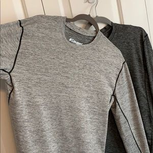 Set of 2 mens workout athletic tops